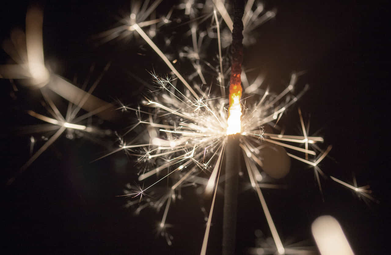 火花が弾ける線香花火