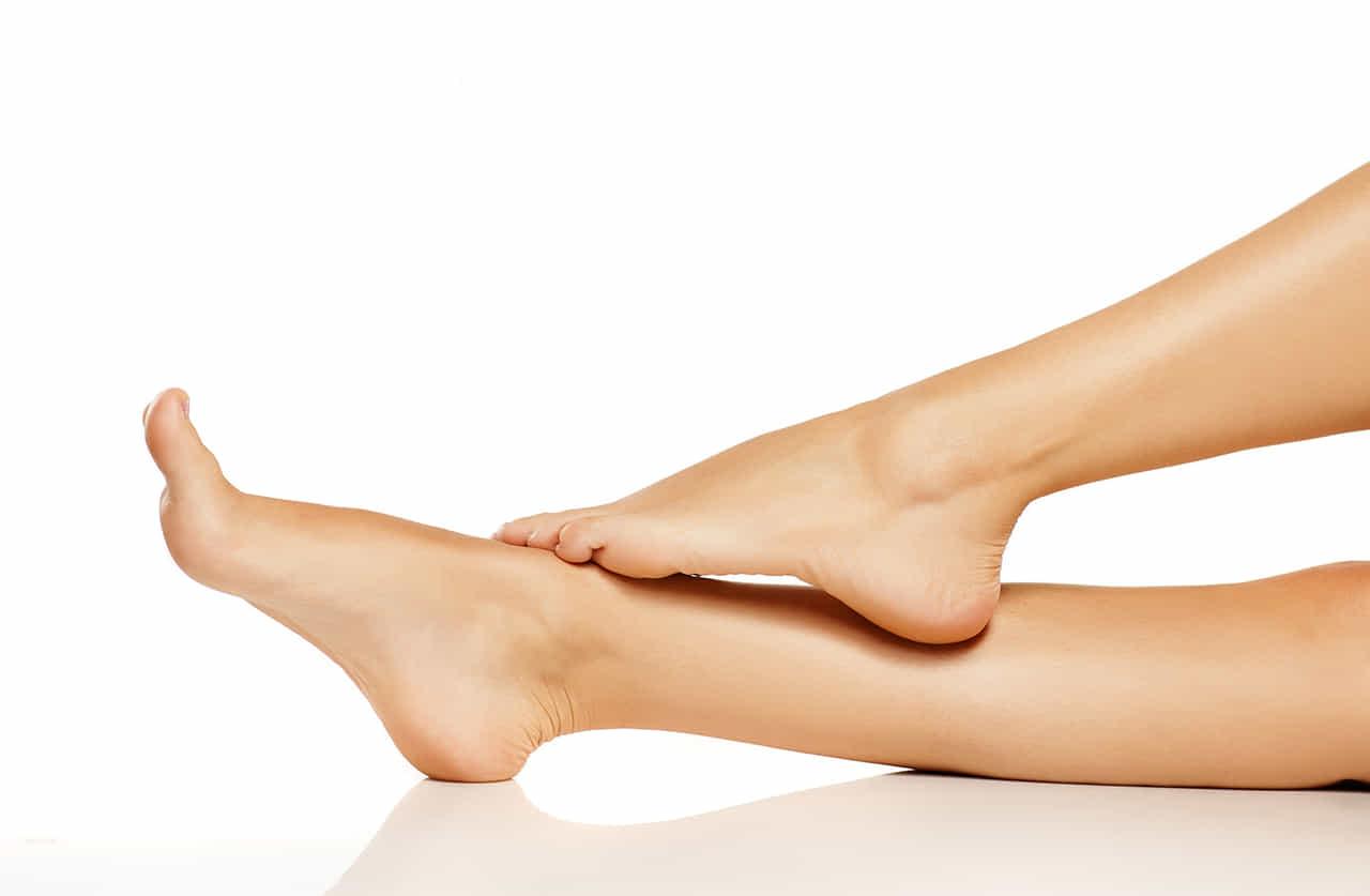 女性の滑らかな脚