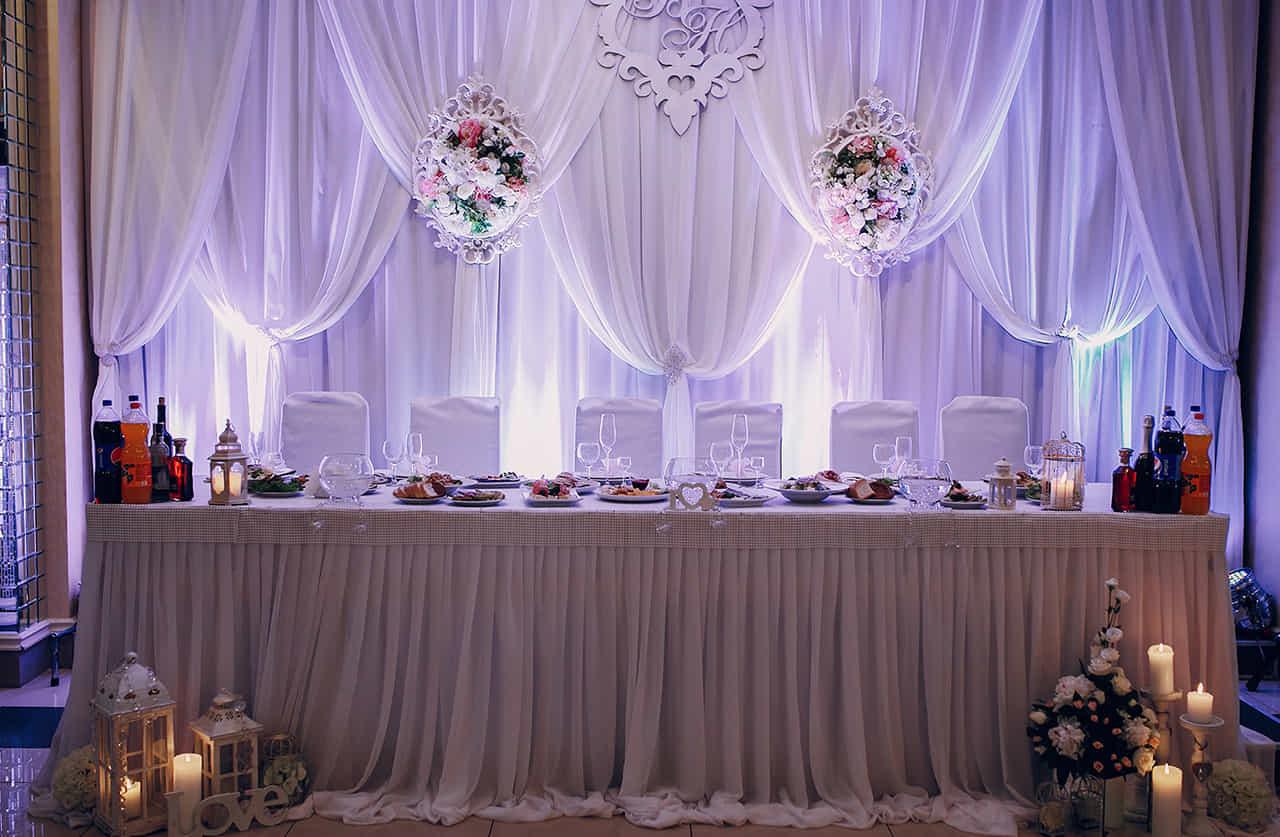 結婚披露宴の高砂