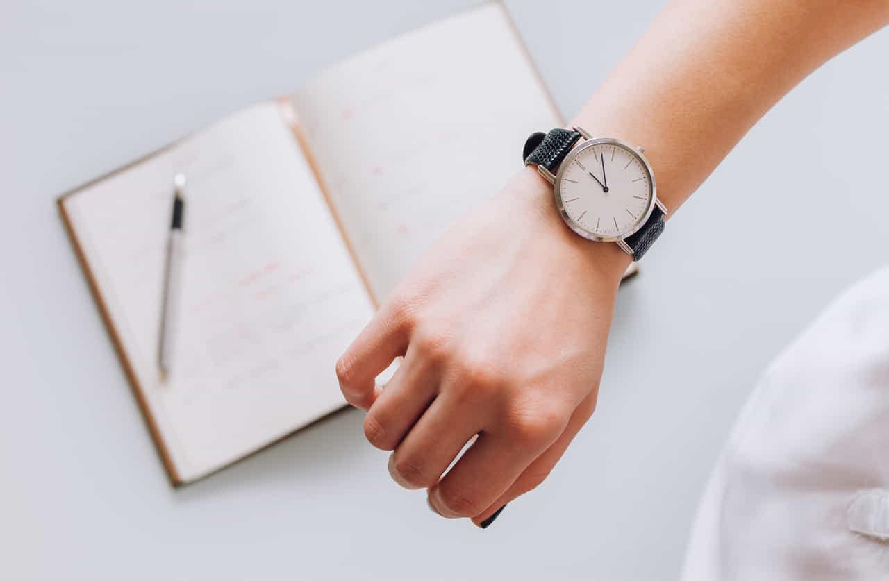 時計とスケジュール帳