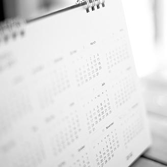 窓辺にある卓上カレンダー