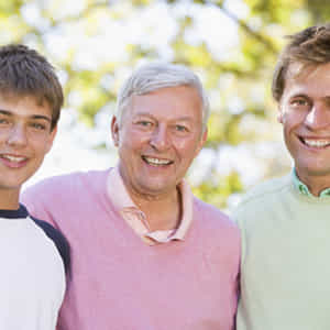 様々な世代の男性